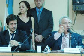 Mariano y Héctor Recalde, en el momento de denunciar los supuestos sobornos