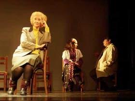 Ana María Palumbo, Ximena Ferrer y Antonio Leiva, en buenos trabajos