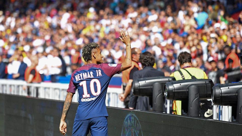 Neymar recibió el cariño del público del PSG