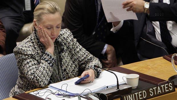 Clinton usó su casilla de mail personal para recibir información calificada