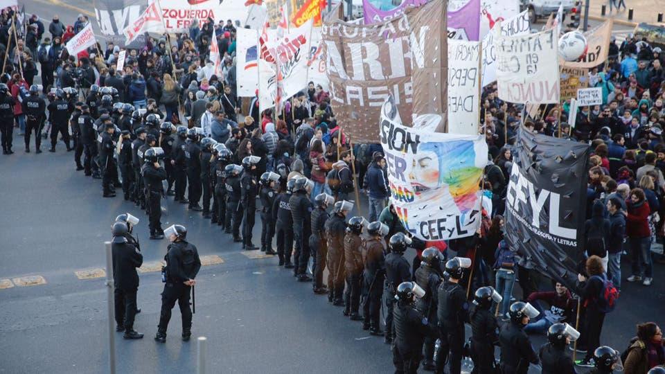 Trabajadores de PepsiCo cortaron la 9 de Julio . Foto: LA NACION / Emiliano Lasalvia