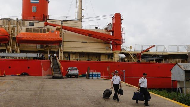 El rompehielos Almirante Irizar llegó al puerto de Buenos Aires