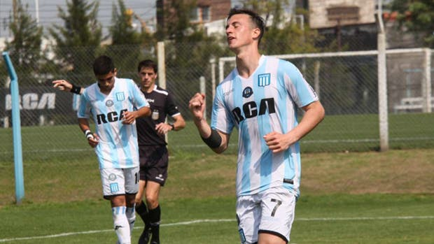 Augusto Lotti marcó 4 goles en la Reserva de Racing