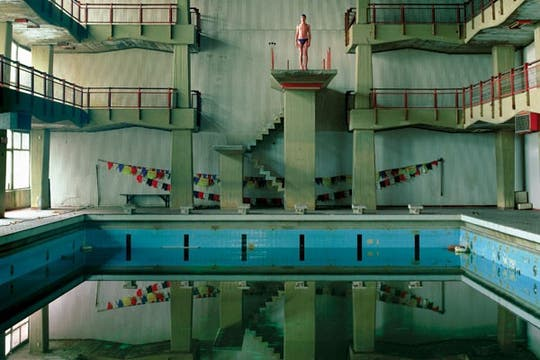 El bañista (2005), por Eduardo Carrera.