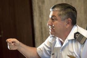 Müller afirma que pediría al jefe de la Fuerza más horas de vuelo para recuperar destinos