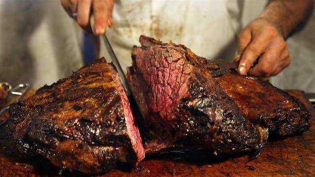 """La carne """"jugosa"""" puede ser una de las formas de transmisión del Síndrome Urémico Hemolítico"""