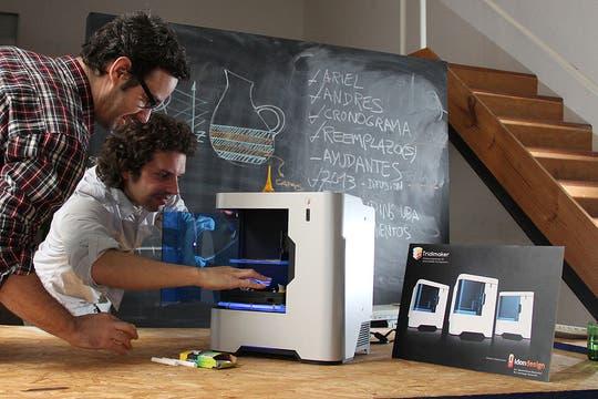 Una vista de Tridimaker, la impresora 3D de diseño nacional. Foto: LA NACION / Guadalupe Aizaga