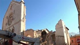 En Norcia se derrumbó parcialmente la catedral local