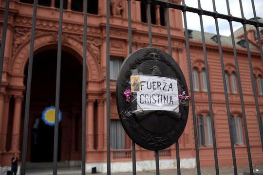 ´Fuerza Cristina´, fue uno de los mensajes que le dejaron a la presidenta. Foto: LA NACION / Silvana Colombo