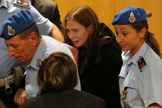 Amanda Knox rompió en llanto al conocer el veredicto. Foto: AP