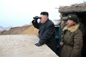 Corea del Norte aseguró que lanzará más misiles. Lo dijo su líder durante la apertura este domingo de la sesión plenaria del Partido único de los Trabajadores