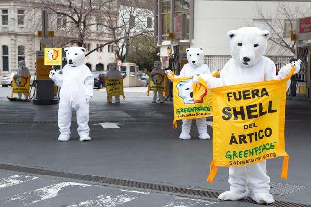 Un total de veinte activistas fue parte de la acción de Greenpeace
