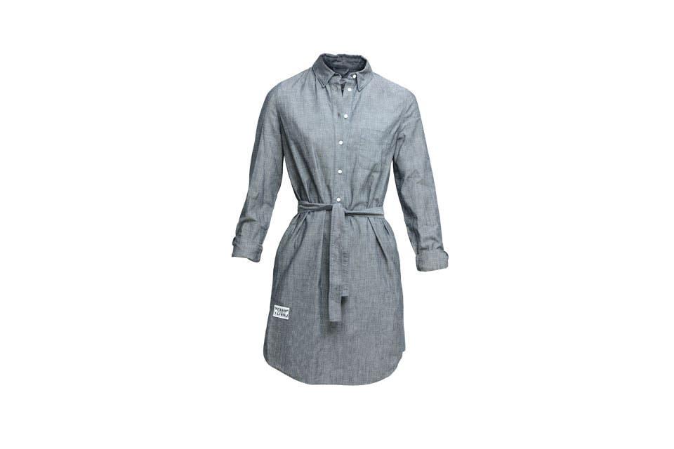 Vestido gris, Lacoste $1600.