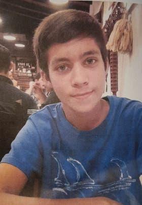 Elvis Shmidt tiene 15 años; es buscado desde ayer en la localidad de Los Cardales