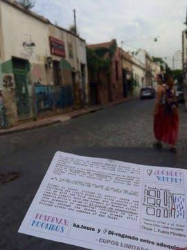 Divagando entre adoquines, una experiencia performática por las calles de San Telmo. Foto: Facebook Divagando entre adoquines