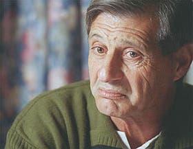 El gesto serio y las arrugas que le dejó el fútbol: José Yudica vuelve a ocupar su lugar
