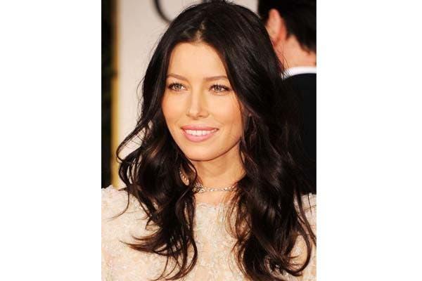 Jessica Biel siempre tiene el pelo impecable y lo usa en un largo intermedio. ¿Te gusta?. Foto: Hairstylenews.com
