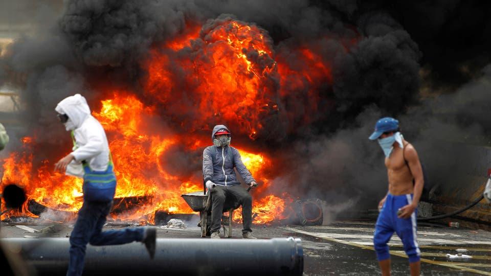 La crisis venezolana se agrava, ya son 28 los muertos en cuatro semanas de protestas. Foto: Reuters / Christian Verón