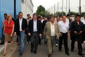 Álvarez Rodríguez, Scioli, Boudou, Curto, Descalzo y Espinoza, ayer, en Tres de Febrero