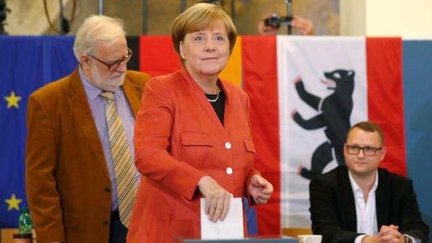 Alemania: Merkel y Schulz votaron en una jornada que se perfila sin sobresaltos