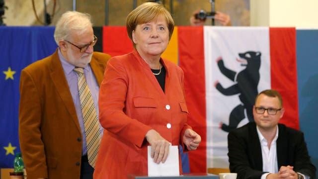 Merkel consigue su cuarto mandato consecutivo en una elección en que la gran sorpresa fue la ultraderecha