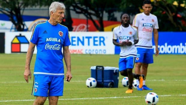 Colombia se ilusiona con jugar el segundo Mundial seguido de la mano de Pekerman