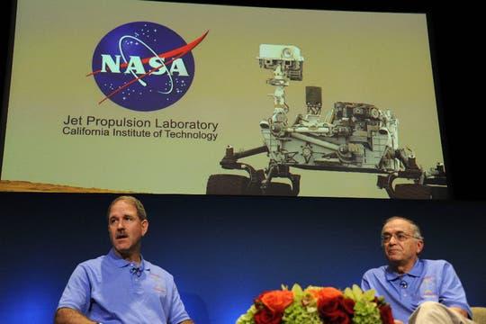 Ingenieros de la NASA dan la primera conferencia de prensa con auspiciosas novedades de la misión. Foto: NASA