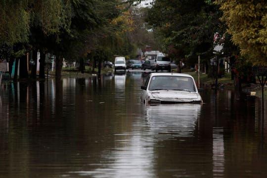 Más de 155 milímetros de agua acumulados en menos de 7 horas afectaron varias zonas de la Capital Federal y el conurbano. Foto: LA NACION / Anïbal Greco