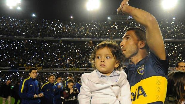 Tevez no jugó en Shanghai y Boca sueña con su vuelta