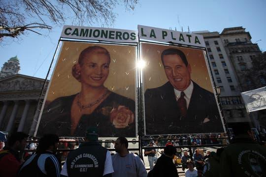 Miles de personas se acercaron a la plaza para escuchar al líder de la CGT. Foto: LA NACION / Silvana Colombo