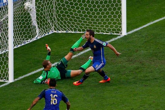 Higuaín, Palacio y Messi se perdieron tres goles increíbles. Foto: Reuters