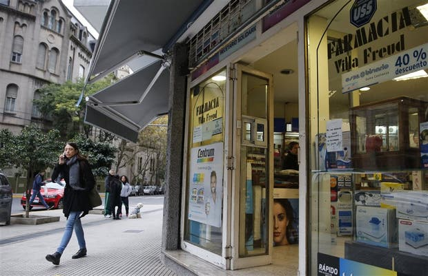 La farmacia Villa Freud, en Medrano y Salguero, el último bastión de una moda que pasó