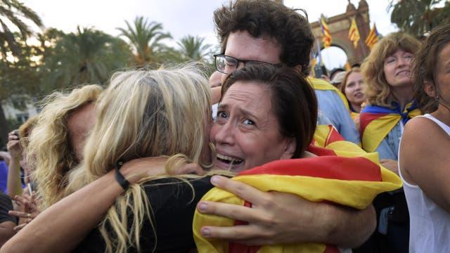 Maniobra de Rajoy: pregunta a Cataluña si declaró o no la independencia antes de definir una intervención