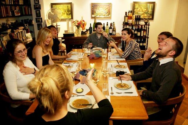 Muchos servicios apuestan por dar servicios profesionales en forma casera: por ejemplo, un restaurante