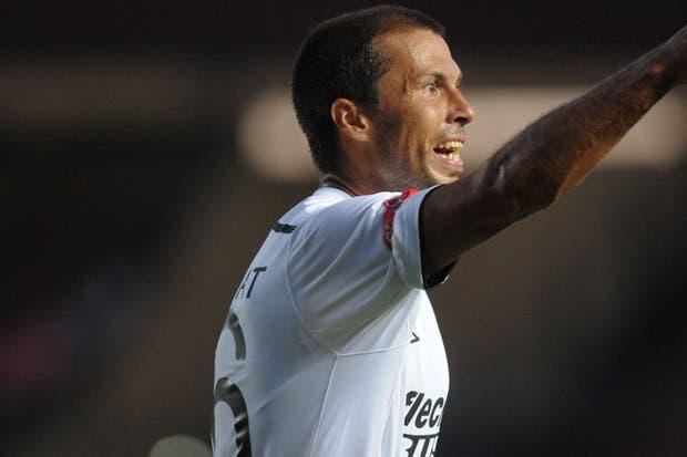 Colón le ganó con autoridad a Argentinos