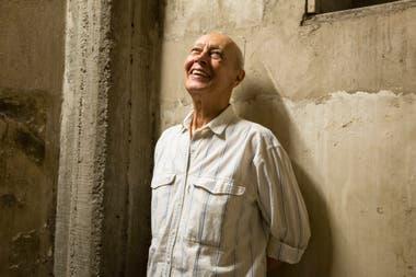 Araiz, en el descanso de una escalera perdida en las entrañas de la ex Biblioteca Nacional