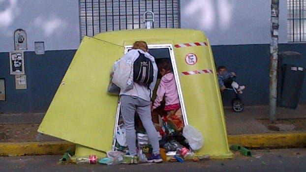 Las quejas por la falta de recolección de residuos y la limpieza o rotura de los contenedores persisten año tras año. Foto: Archivo