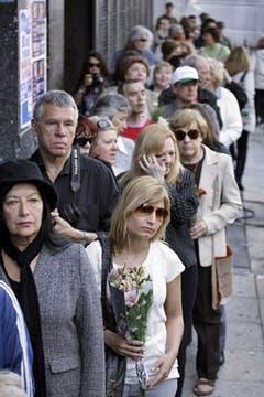 Hubo largas filas para ingresar al Congreso. Foto: AP