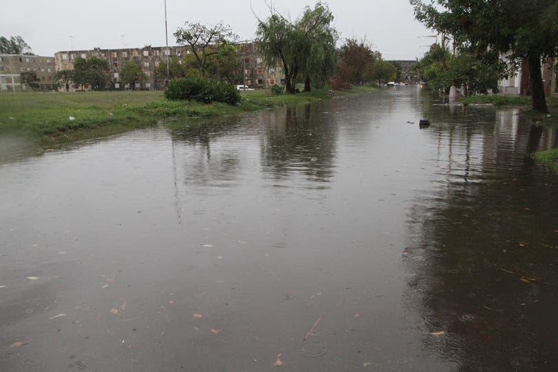 Barrio Centenario, se inundá tras las fuertes lluvias. Foto: LA NACION / Amancio Alem