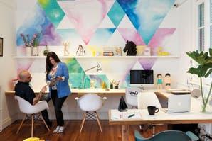 Colores y diseño en un departamento pensado para trabajar