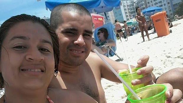 Laura Pamela Viana y su marido, anteayer, en Río de Janeiro