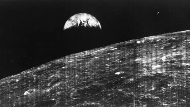 El 23 de agosto de 1966, el mundo recibió su primera visión de la Tierra tomada por una nave espacial desde la proximidad de la Luna