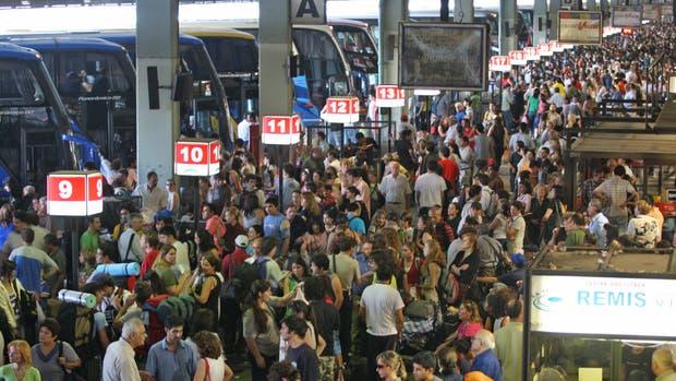 El Gobierno hará una licitación internacional para remodelar la terminal de ómnibus de Retiro