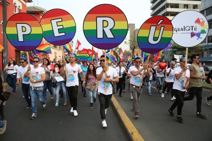 Todos los años las calles de Lima son escenario de la Marcha del Orgullo LGBTI, movilización que celebra la diversidad y pide políticas públicas contra la discriminación por orientación sexual