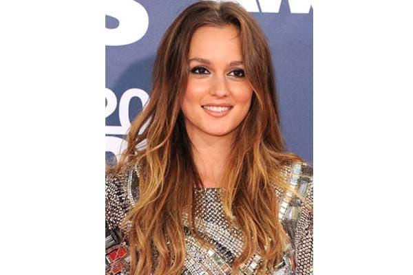 Leighton Meester suele llevar el pelo bien largo siempre, aunque en Gossip Girl la vemos muchas veces con el pelo atado. Foto: Realbeauty.com