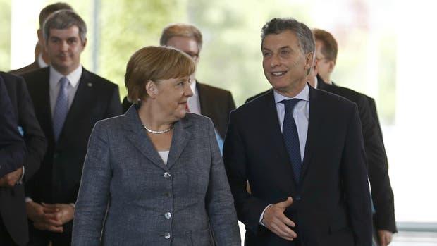 Merkel valora implementación de reformas de gobierno de Macri