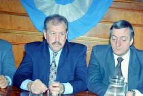El ex vicegobernador Arnold junto a Néstor Kirchner en la etapa en la que ambos trabajaron juntos en Santa cruz a finales de los 90