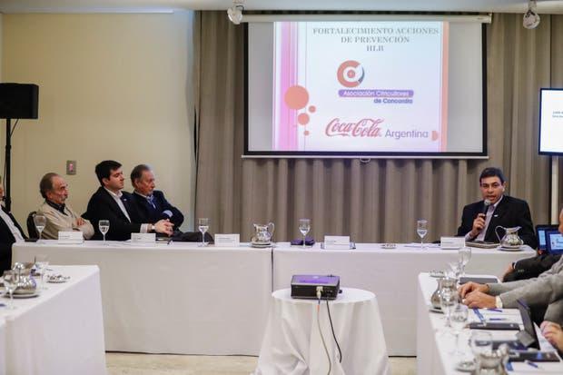 Autoridades de la Asociación de Citricultores de Concordia y de Coca-Cola explicaron las tareas para prevenir el HLB