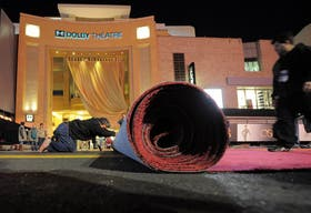 Los preparativos para la alfombra roja, todo un símbolo de Hollywood