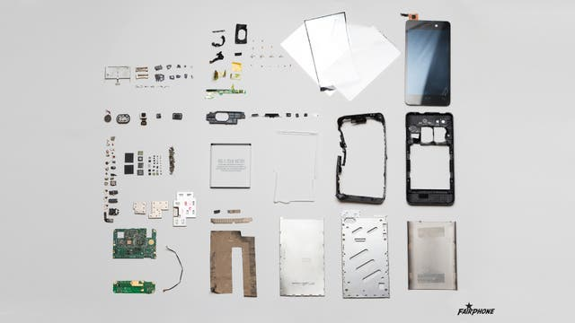 Un despiece de un smartphone, en este caso un Fairphone 1